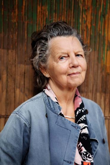 Porträttbild av Elisabet Englund
